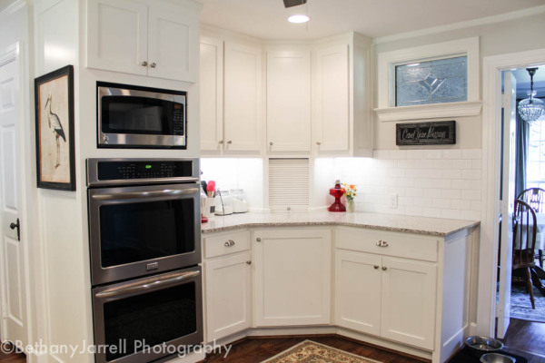 White Ceramic Tile with White Shaker Cabinets