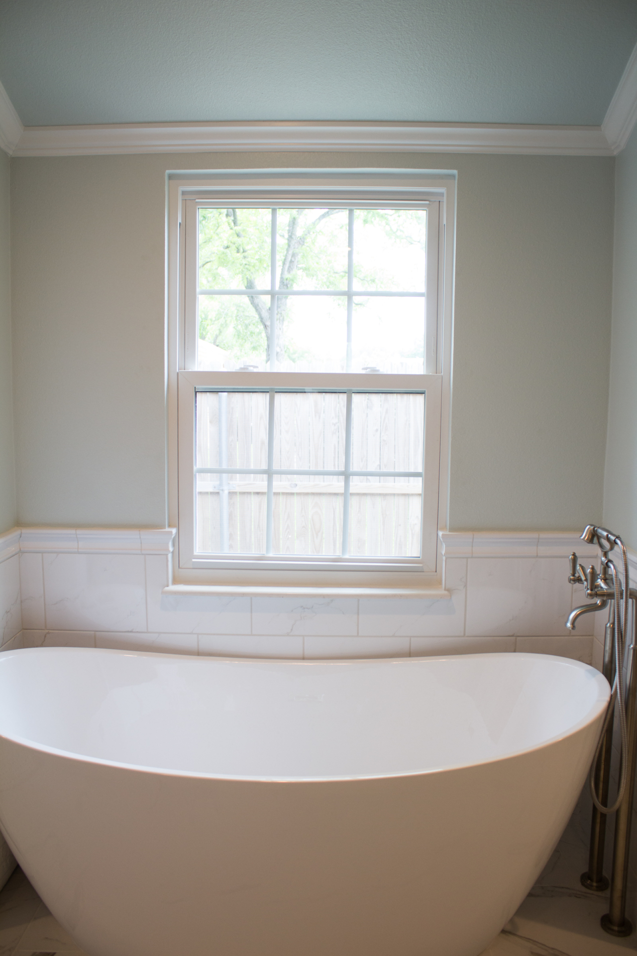 jarrell-signature-white-bathroom-remodel-8