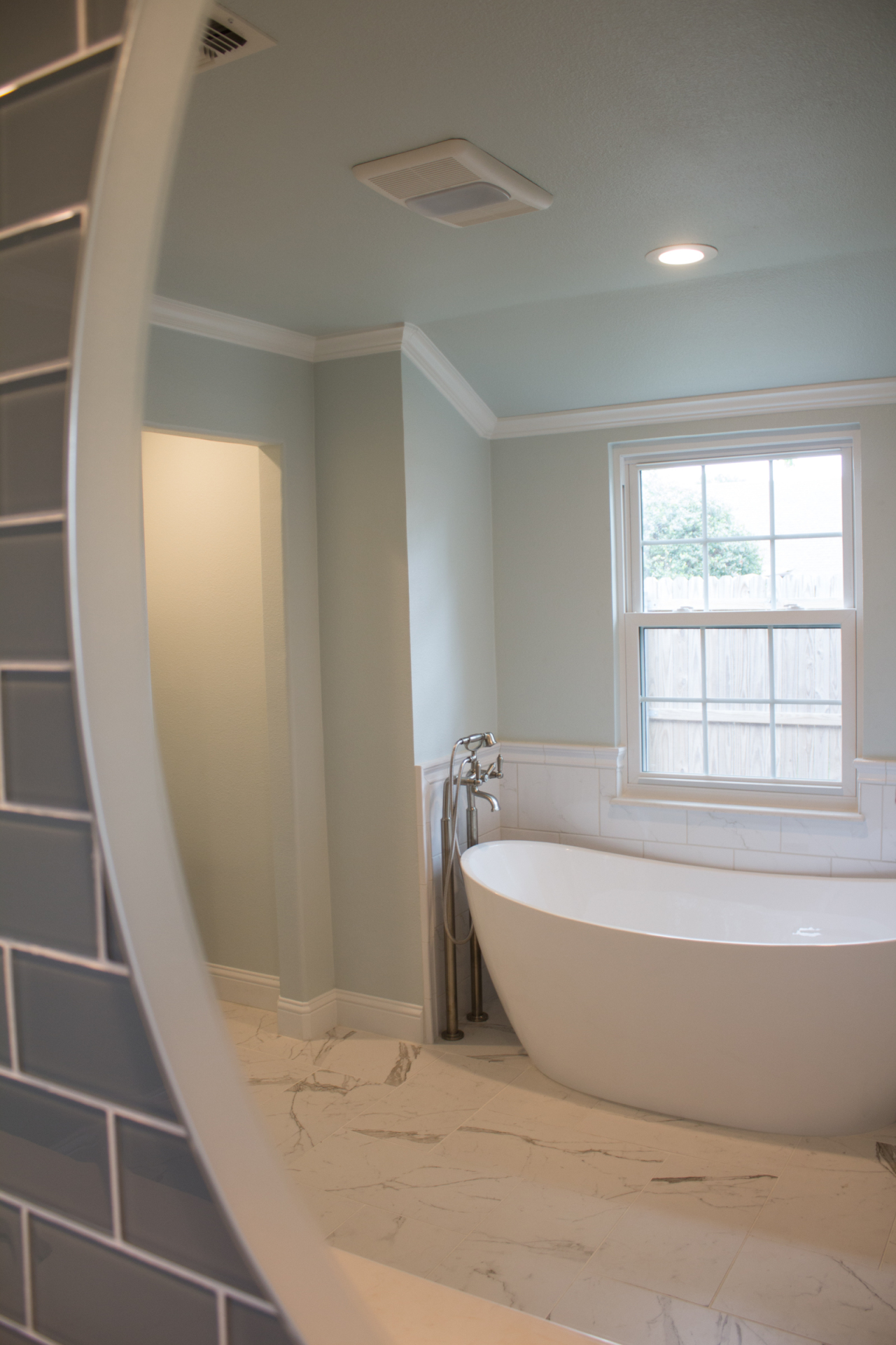 jarrell-signature-white-bathroom-remodel-7
