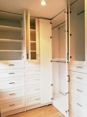 CORNER L SHAPE WARDROBE WITH DOORS - SMART CLOSETS