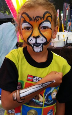 Yuba City face painter, Yuba Sutter, Butte, Colusa, California, Lion face art, lion face painting, sword arm art, Marysville Peach Festival 2015,