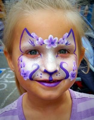 Yuba City face painter, Yuba Sutter, Butte, Colusa, California, Purple kitty face art, kitty face painting, girl face painting