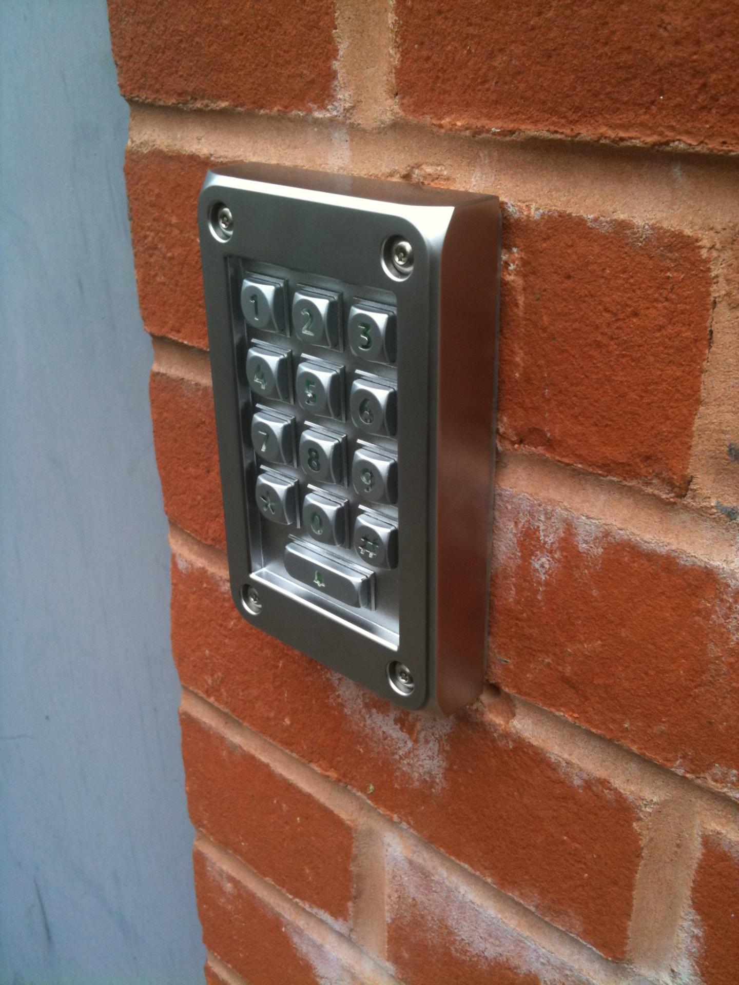 Vandal resistant access keypad