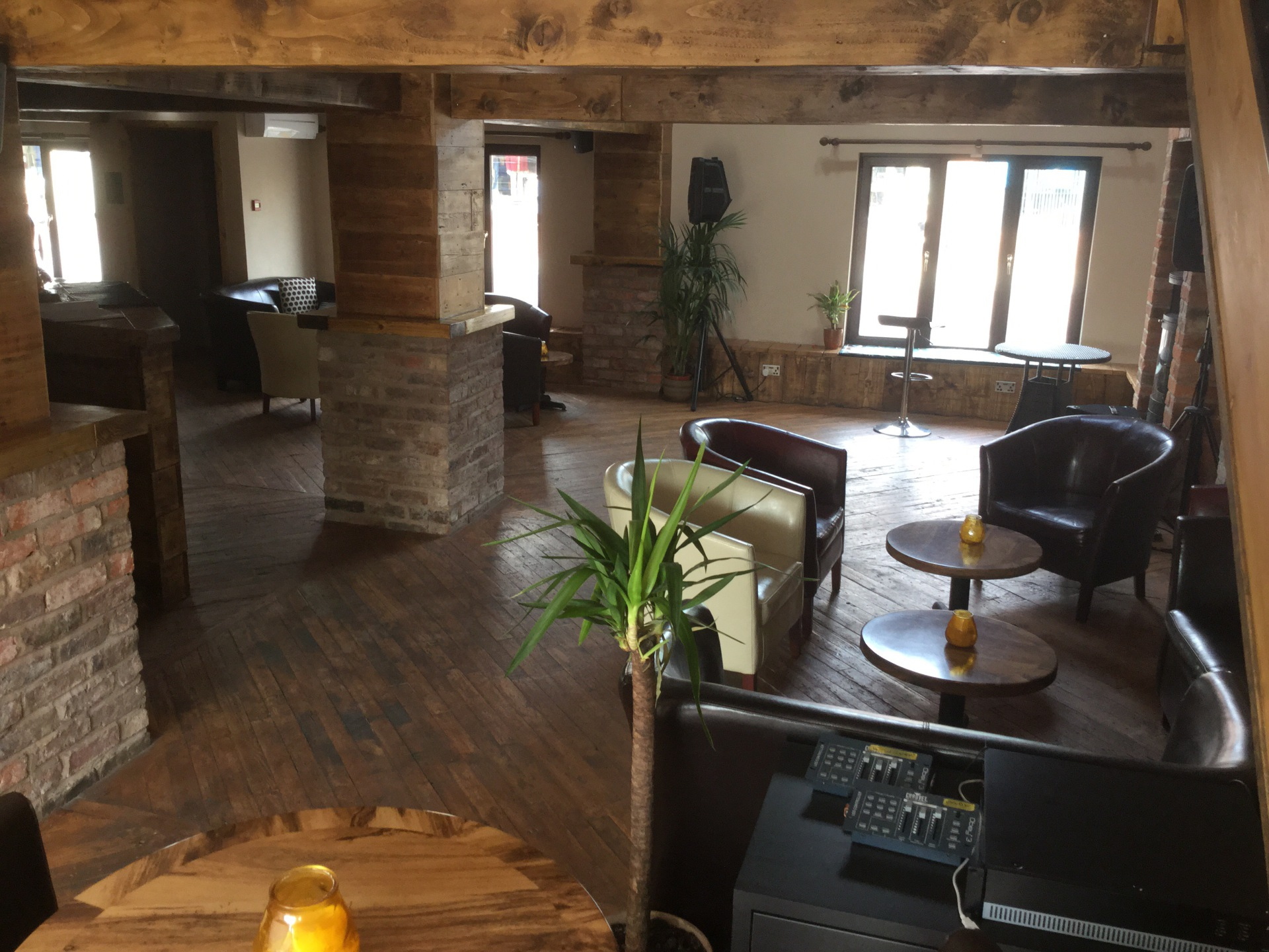 'The Acoustic Lounge, Poynton' Beautiful Rustic Space!