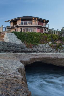 Cliffside Beach Home, Santa Cruz