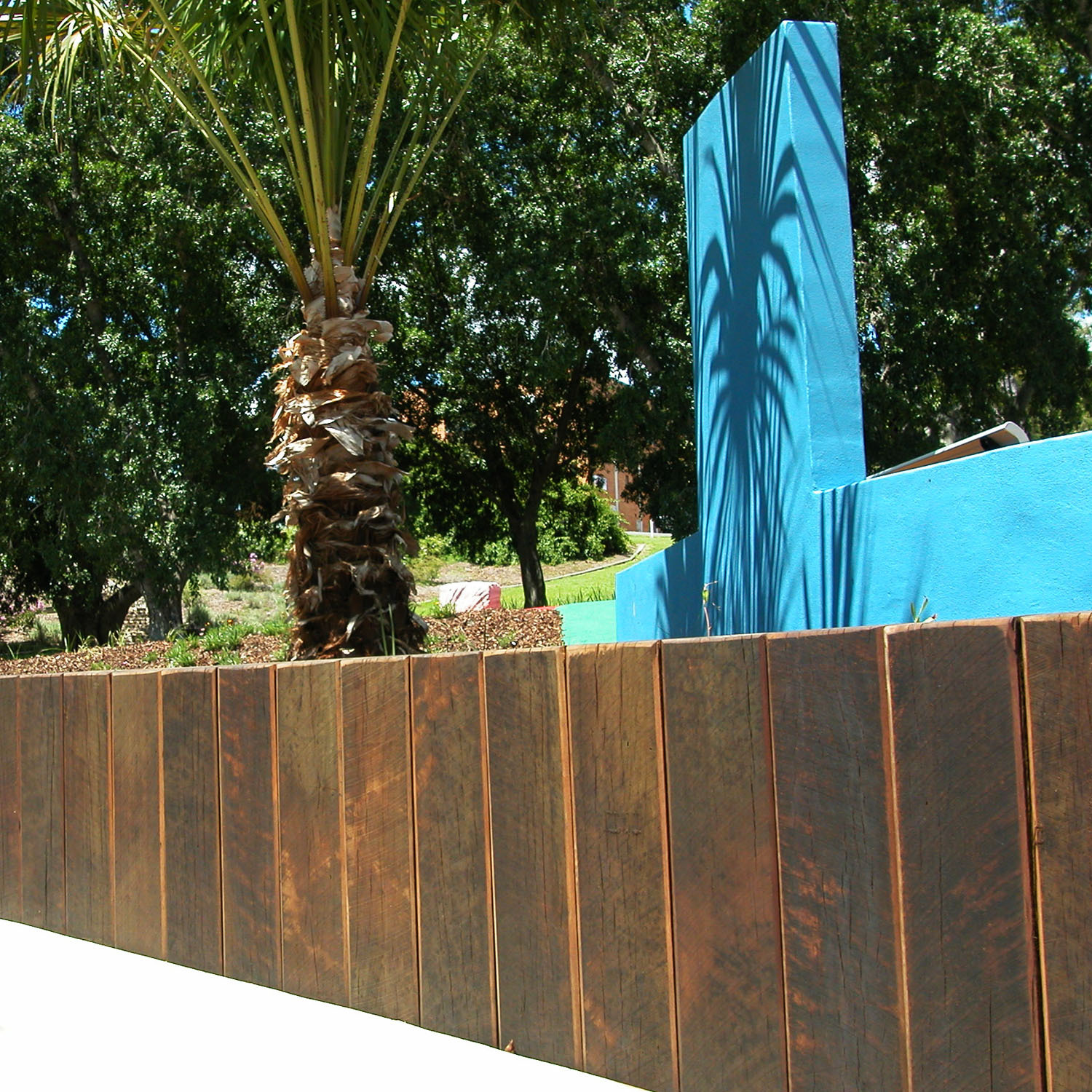 Lange Design - Timber Palisade Retaining Wall