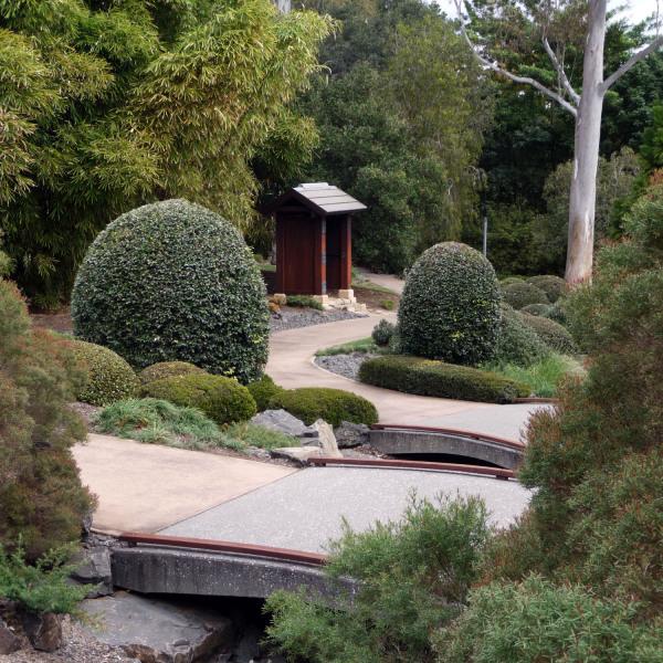 Lange-Design---Nerima-Gardens-02