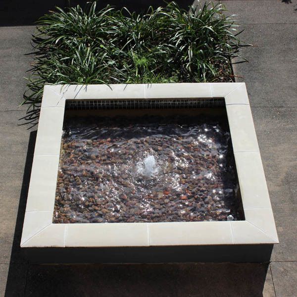 Bubbling spring waterfeature