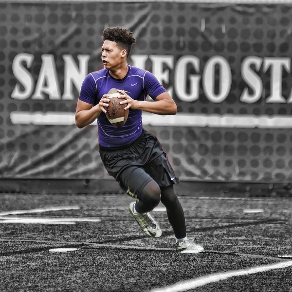 Rodney Thompson 3 touchdown passes paces 2-0 Saints of St. Augustine in 28-7 win over Carlsbad