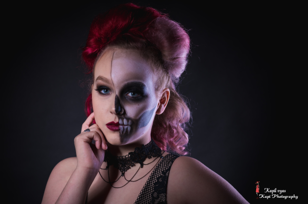 Black n White Skull Makeup