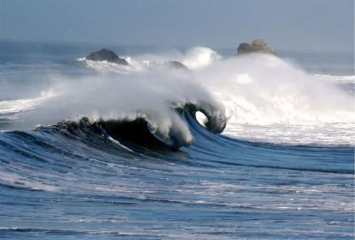 """Waves in pacifica 1"" by Brocken Inaglory - Own work. Licensed under GFDL via Commons - https://comm"
