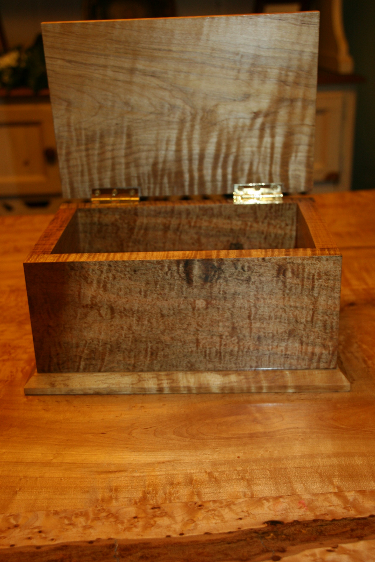 Lid on Maple Box