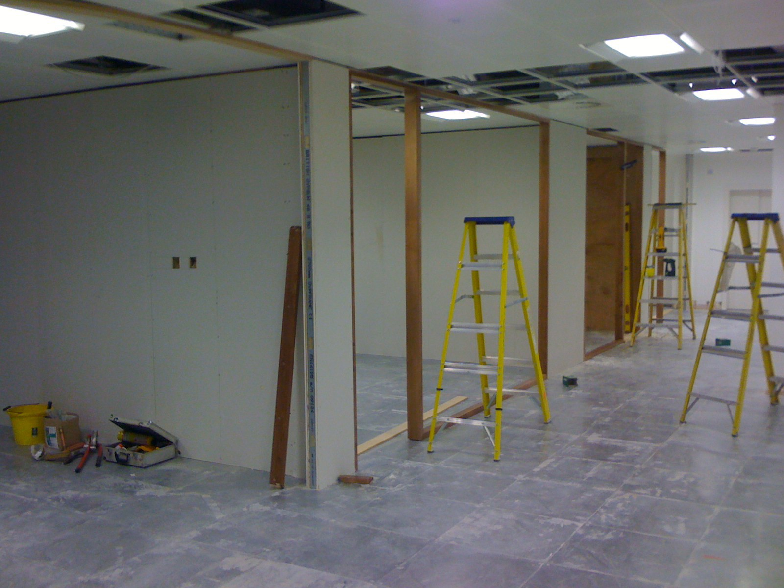 New meeting rooms and side offices