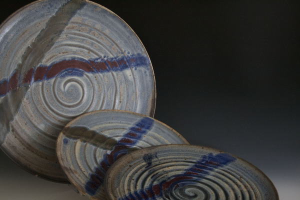 Plates-blue-and-red