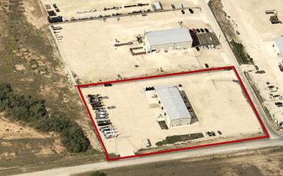 9,300SF w/ Wash-bay | Pleasanton, TX