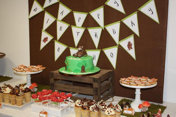 Gruffallo dessert table