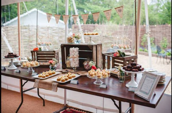 T--P-wedding-dessert-table-6