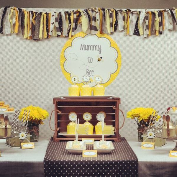 Mummy to Bee table