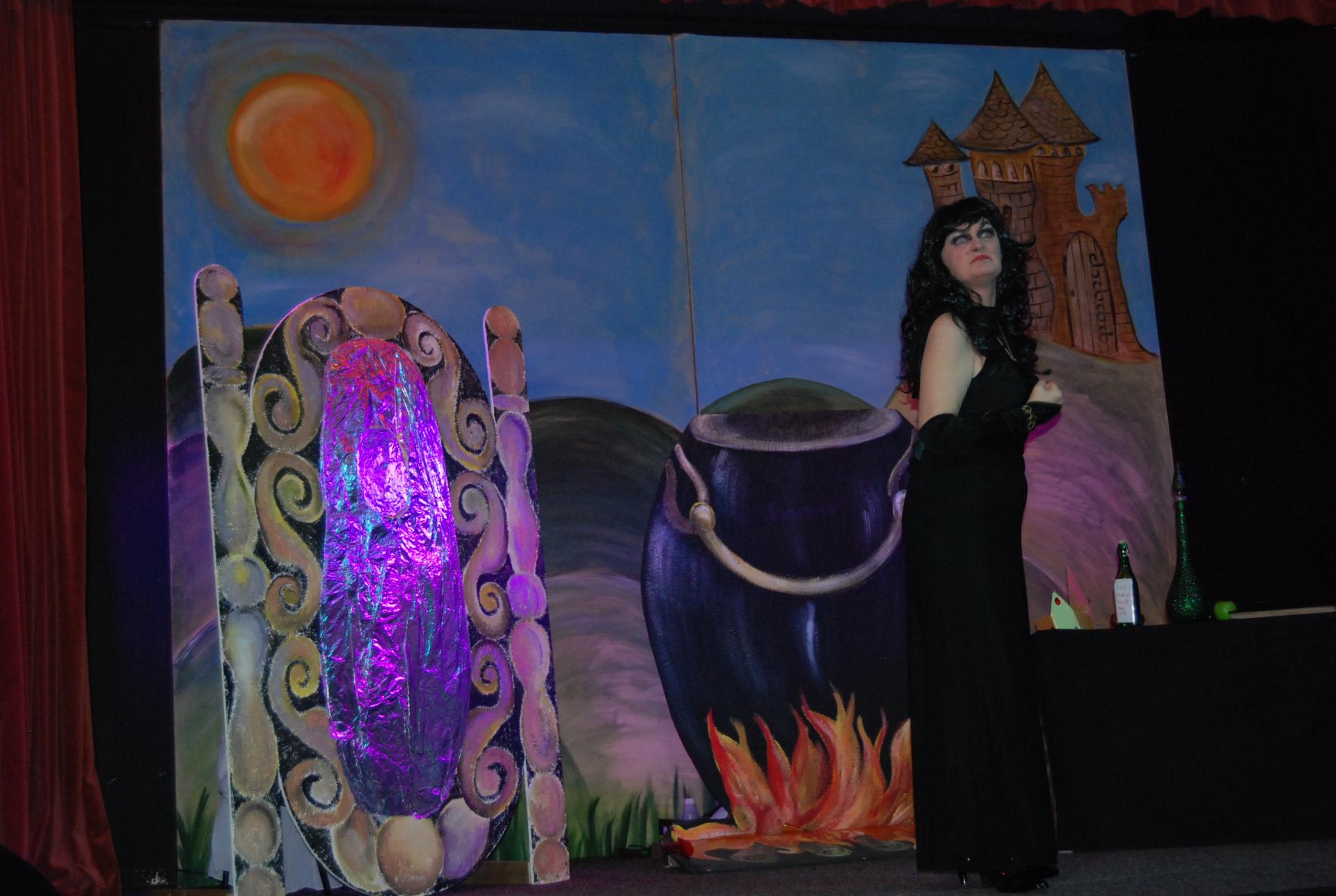 Loretta Smith as the evil queen