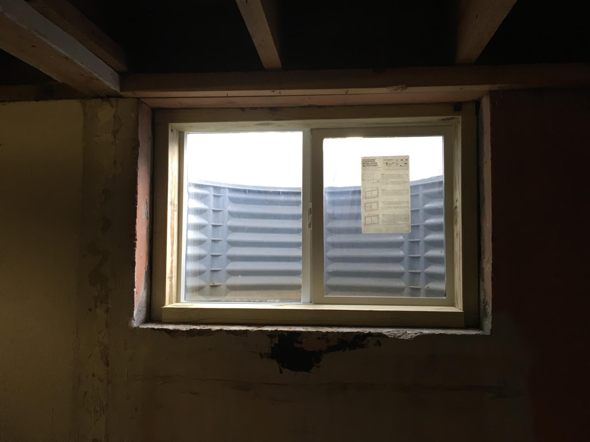 SIDING WINDOW