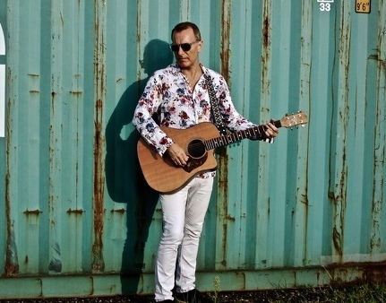 Interview with James Reyne