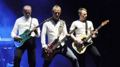 Interview with STATUS QUO