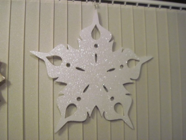 Snowflakes hanging decorations