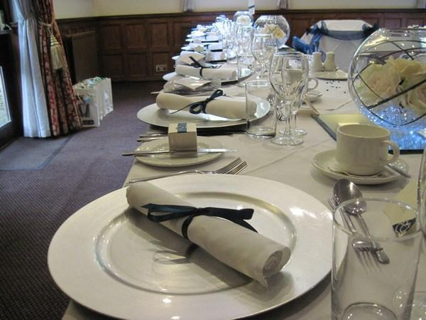 Silver Charger Plate Hire, Teal napkin ribbon