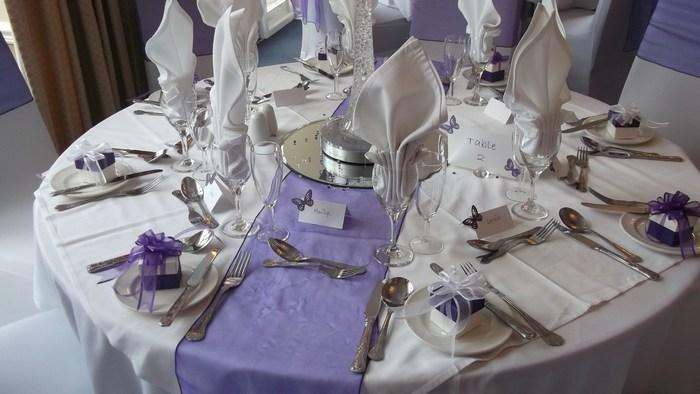 white & purple alternate favour boxes with deluxe bows