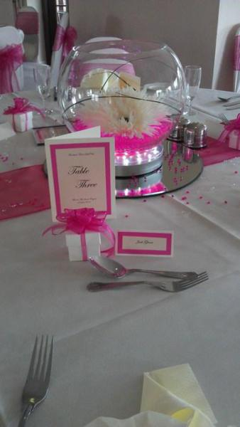 white favour box with hot pink ribbon