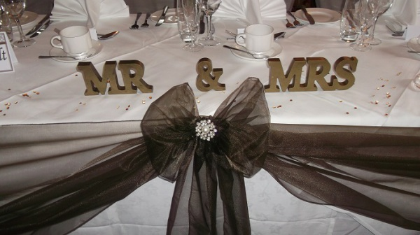 small Mr & mrs freestanding letter hire