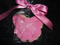 Cookie Favour butterfly shape in pink with butterfly stamp
