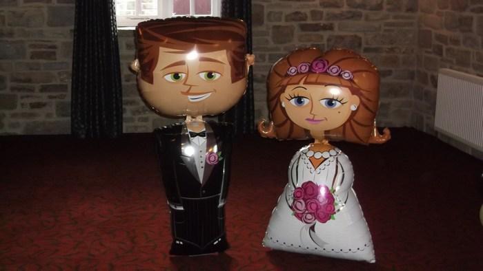 Airwalkers, Bride & Groom balloon