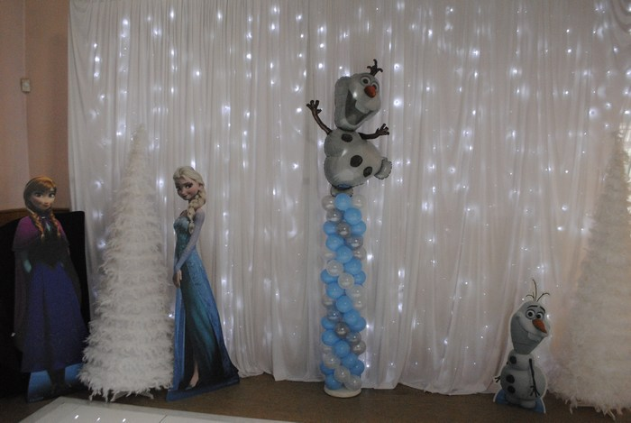 Frozen Olaf Balloon column