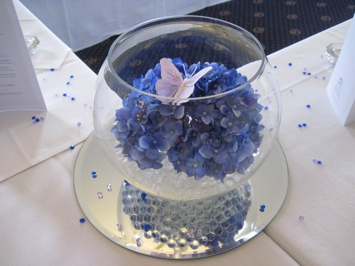 Small Gold Fish Bowls with blue hydrangea & pink butterfly