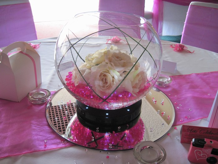 Large Goldfish Bowls with hot pink crystal pearl, cream roses