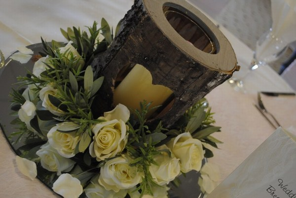 Bark heart vase with cream rose ring