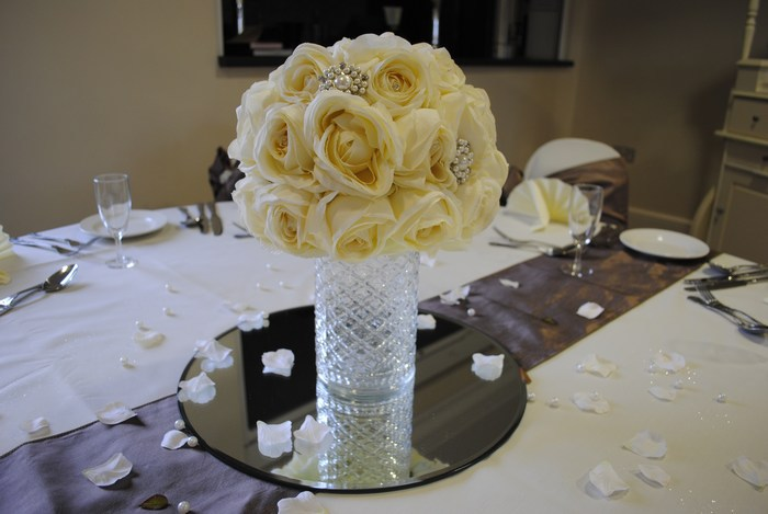 Short Cylinder with cream rose dome & brooches