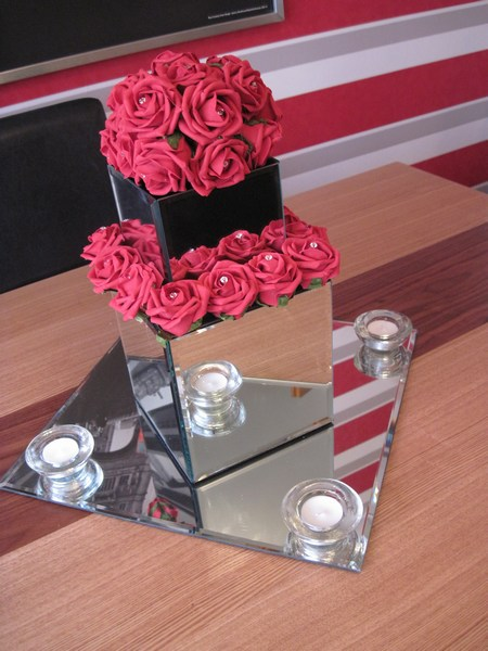 Mirror square doubled with red roses