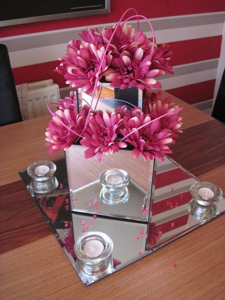 Mirror square doubled with pink gerbera