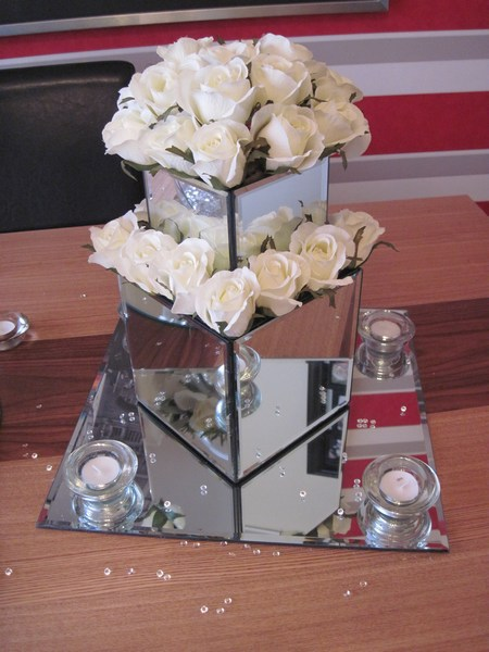 Mirror square doubled with cream roses