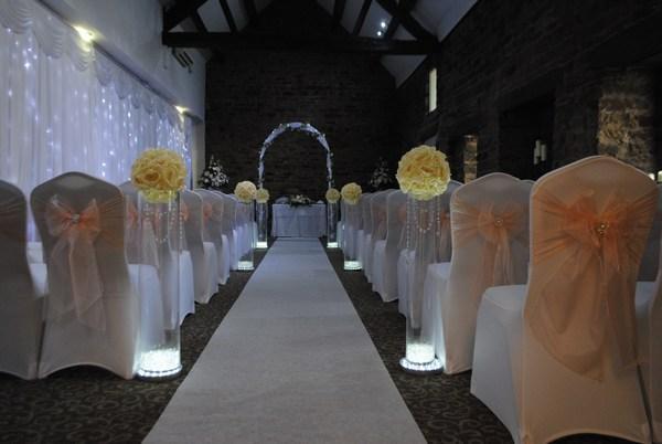 crystal aisle columns