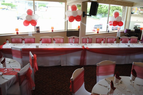 Cloud 9 in red & white behind top table