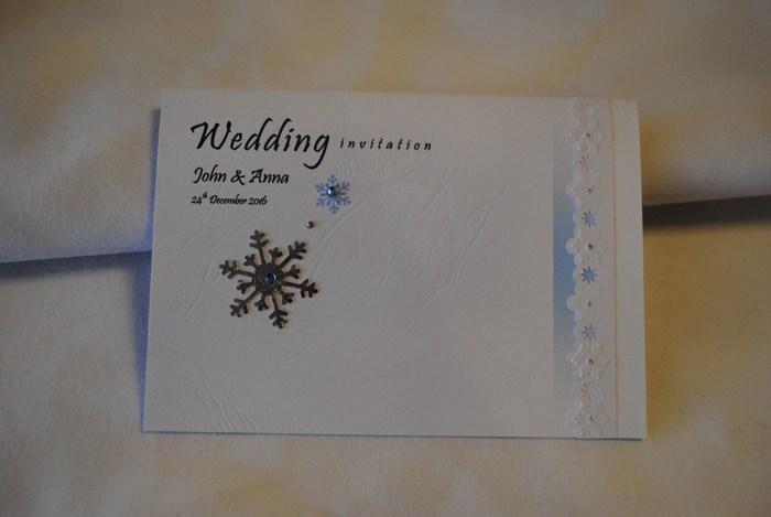 Standard Invitation design in Ribbon & Snowflake Range