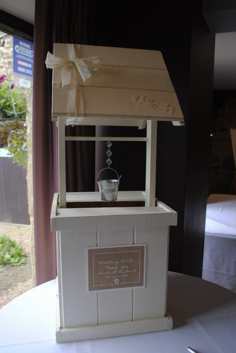 Burlap & lace wishing well hire