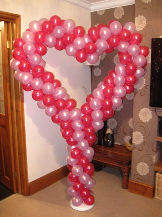 Balloon heart stand in hot pink & baby pink