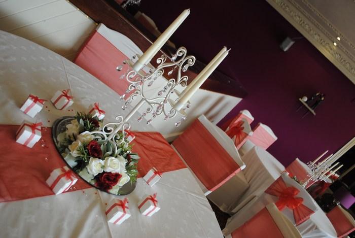 Cream Short Candelabra with cream & red rose ring