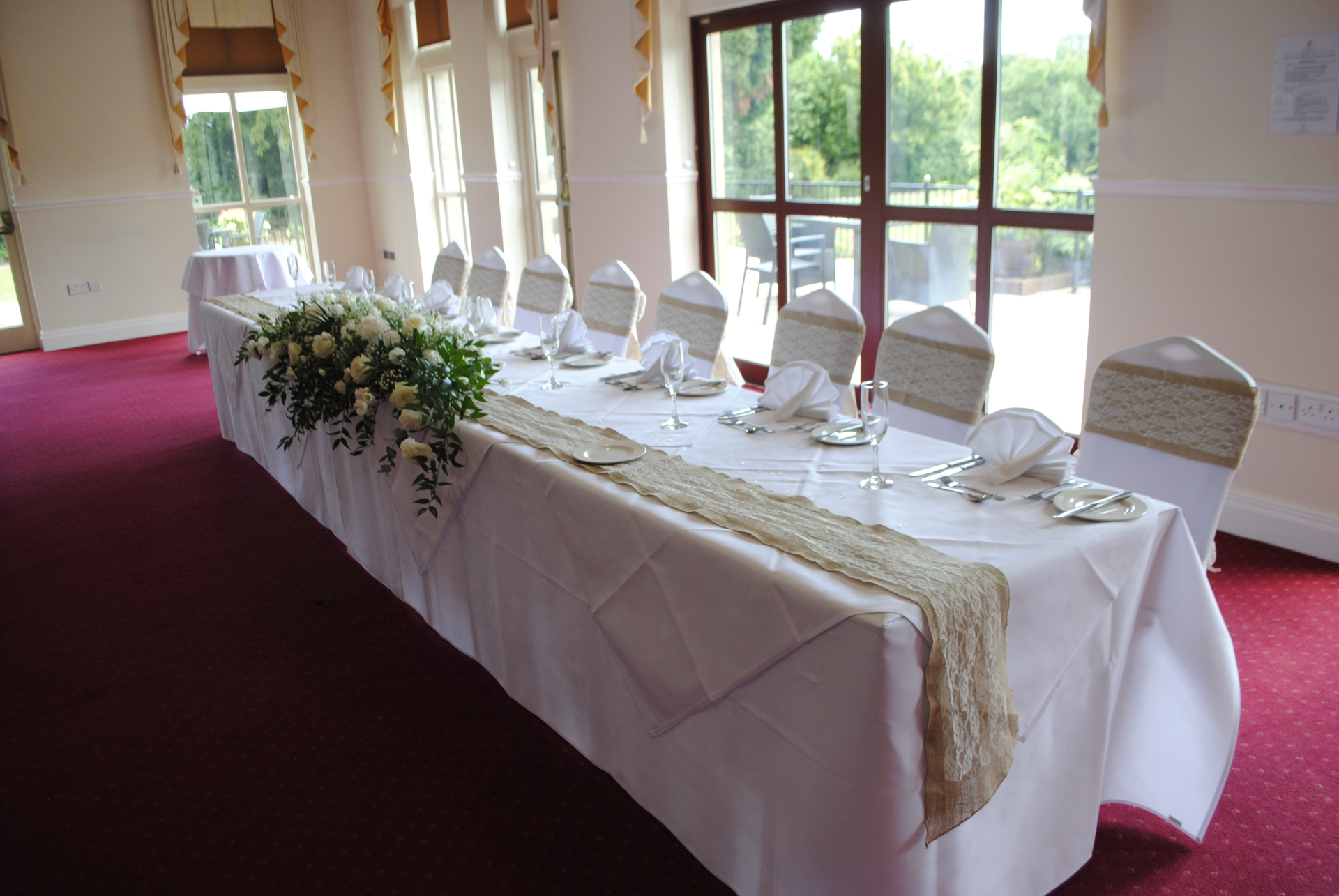 Top table runner hire