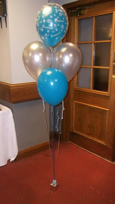 five balloon cluster party balloons, tulip style