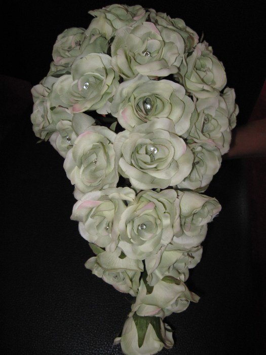 Bridal Bouquet artificial roses in mint